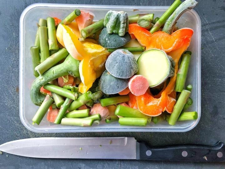 5 façons de donner une deuxième (et même troisième) vie à tes retailles delégumes