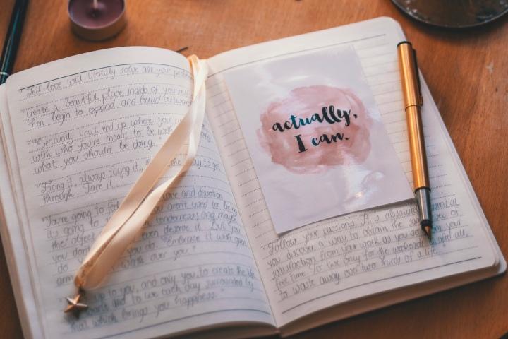 5 raisons pourquoi intégrer le journaling à ta routine quotidienne debien-être