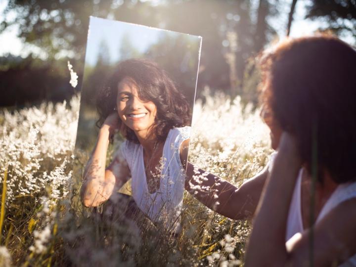 La théorie du miroir, ou comment les autres reflètent qui noussommes